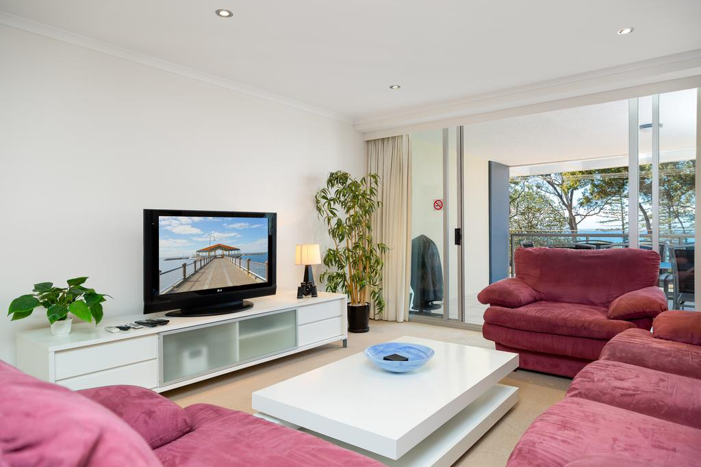 Beach House On Suttons - Redcliffe Tourism